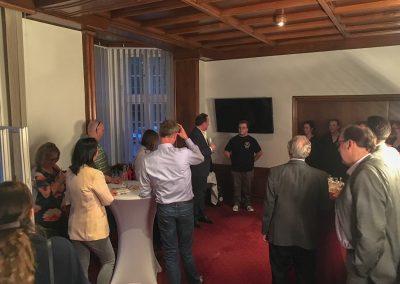 Mitte: Sven Harder stellt seine Burgwedeler Brauerei vor